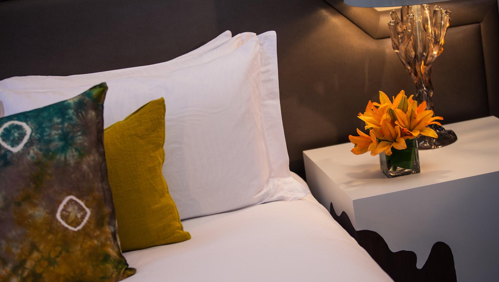 Phoenix boutique hotel photos kimpton palomar phoenix for Kimpton hotel decor