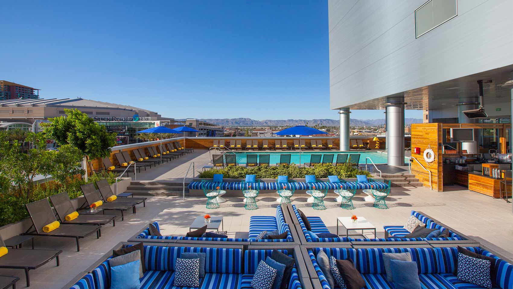 Re Rooftop Bar And Pool Hotels In Phoenix Az