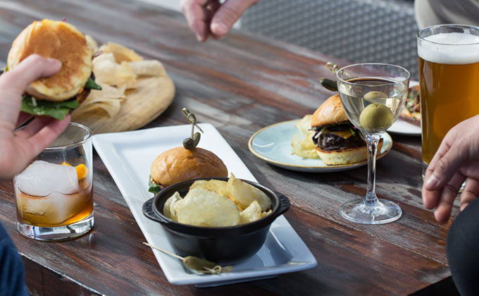 beef sliders table lustre