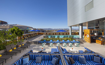 rooftop-pool-phoenix-lustre-boutique